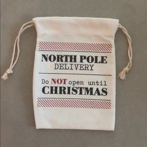 Other - North Pole Christmas delivery bag 5 x 7 set of 2